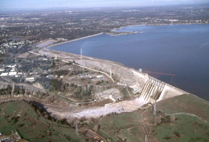 folsom lake water level chart